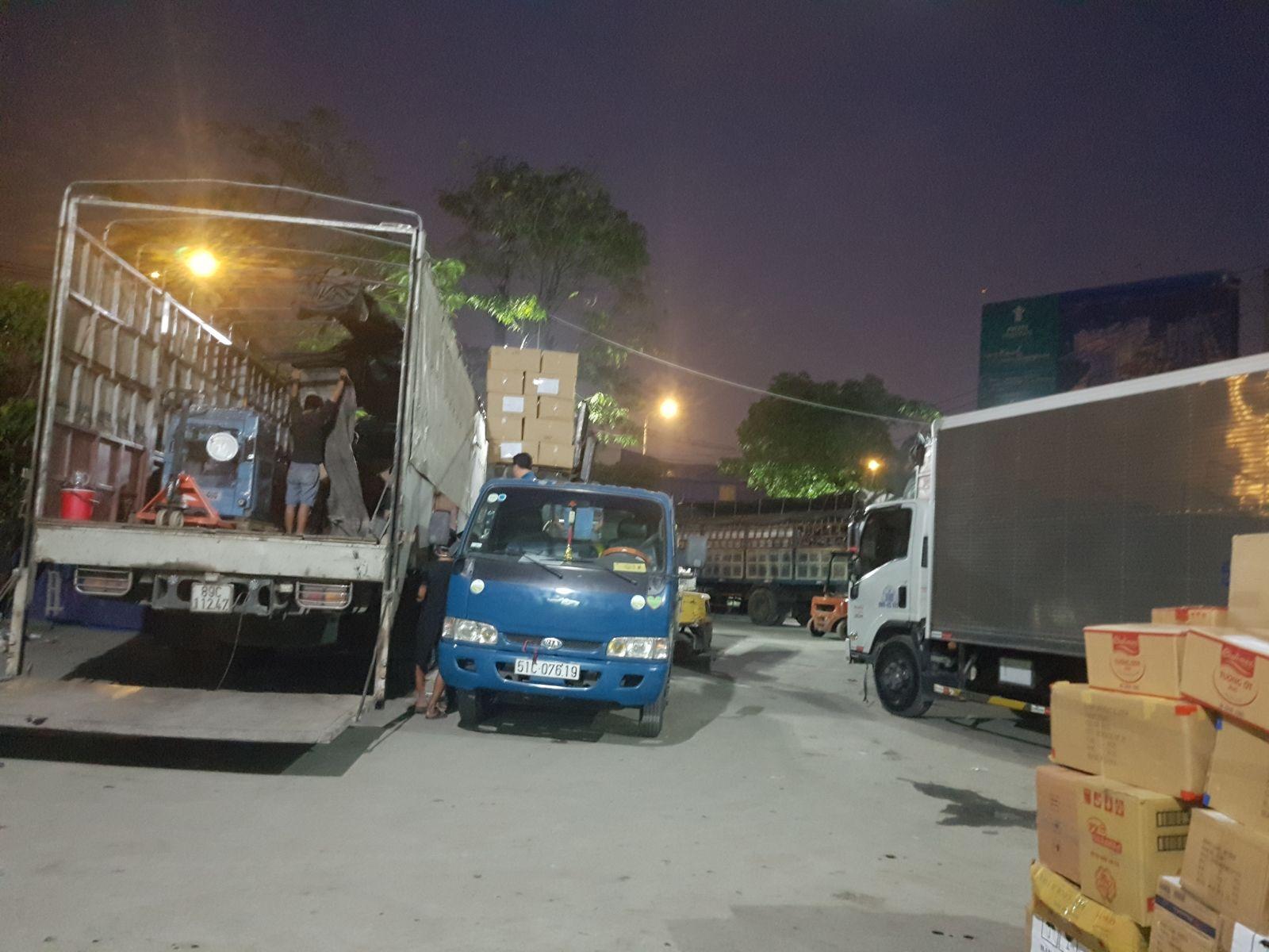 xe tải 5 tấn thùng kín chở hàng