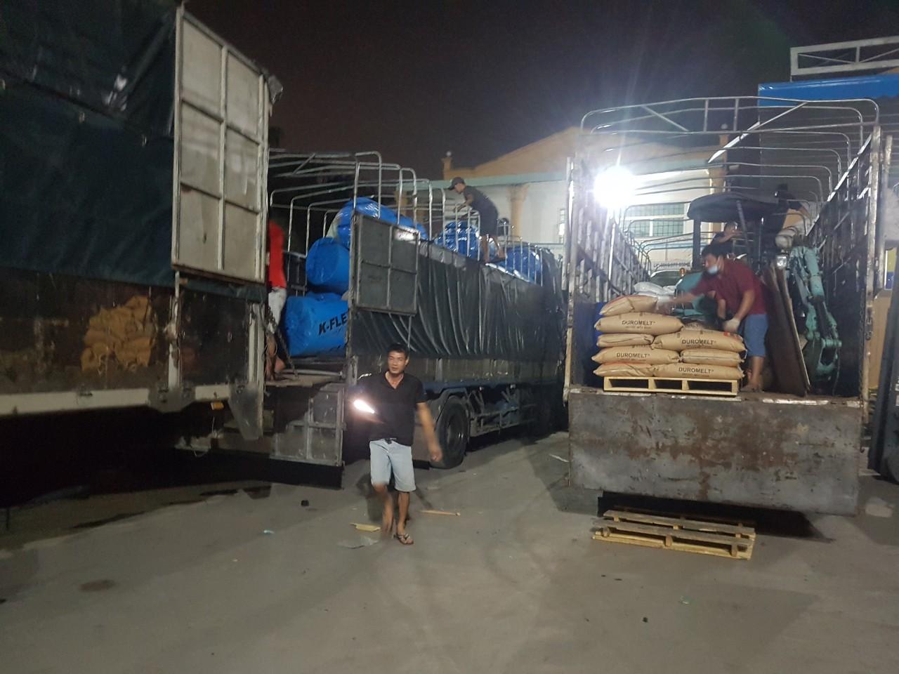 vận chuyển hàng hóa tại  kho thái hùng